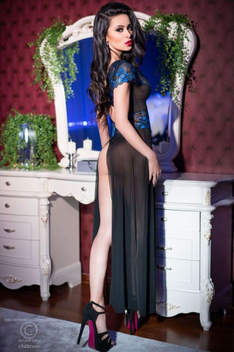 Chilirose Long Chemise Black