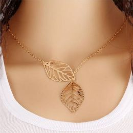 Leaves Necklace Gold 402-4399